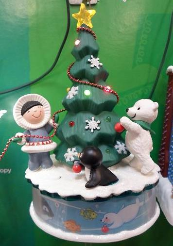 2012-12-05-Hallmark-Christmas-Ornaments-2012-Day-5-of-25-Days-of-Christmas-2