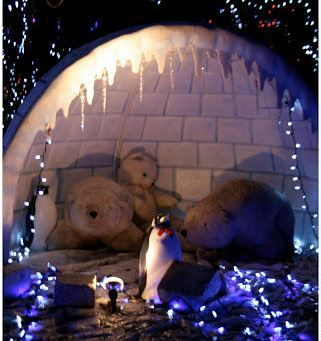 Stanley Park Christmas Lights - Polar bear igloo and blue tree